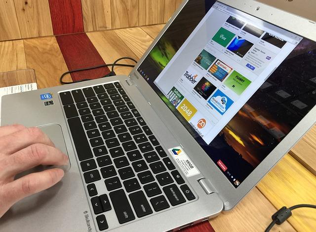 zapnutý notebook.jpg