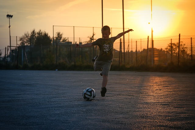 fotbalista a západ slunce
